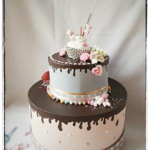 Urne en forme de gâteau Bonbons et Chamallow